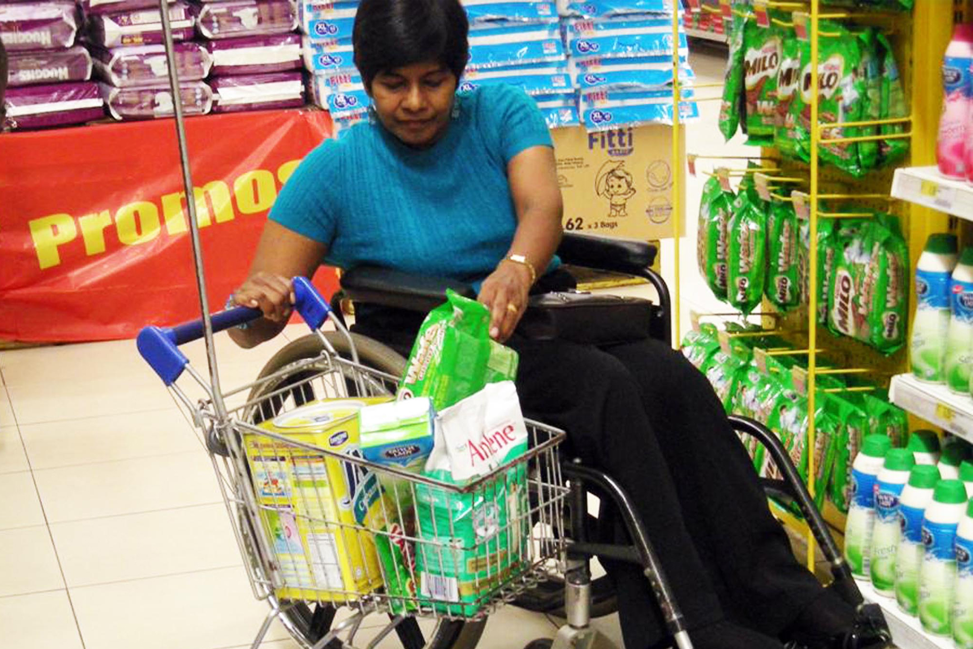 Picture of Bathmavathi Krishnan shopping for groceries